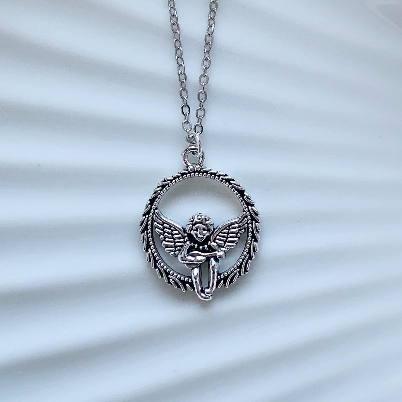 Vliegende engel ketting zilver