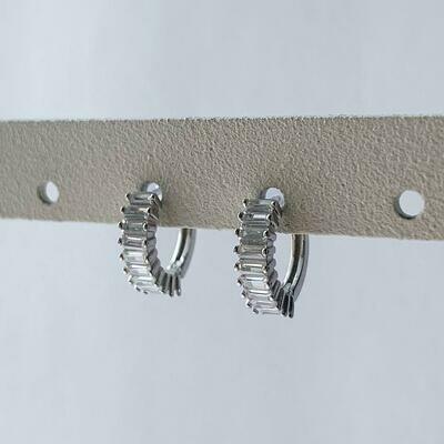 Caterpillar oorringetjes met zirkonia steentjes 925 sterling zilver