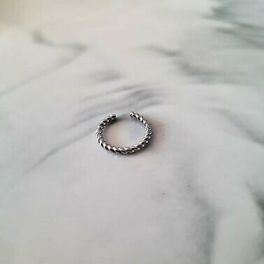 Twisted ear cuff 925 sterling zilver