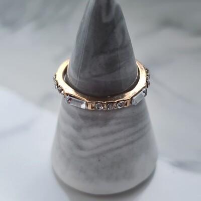 Ronde en rechthoekige diamantjes ring kleur: goud