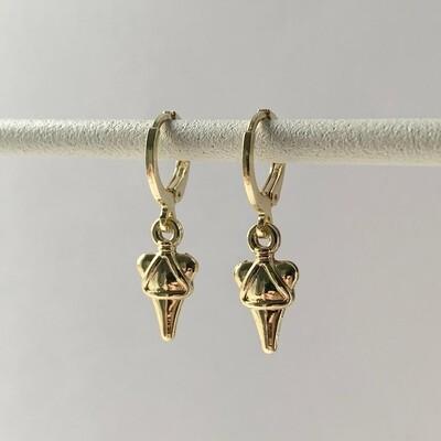 3D triangle oorbellen goud
