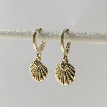 Mini shell oorbellen goud