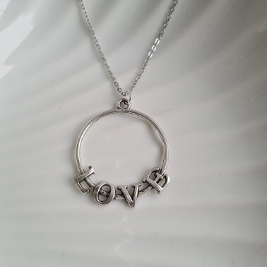 Love on a circle ketting zilver