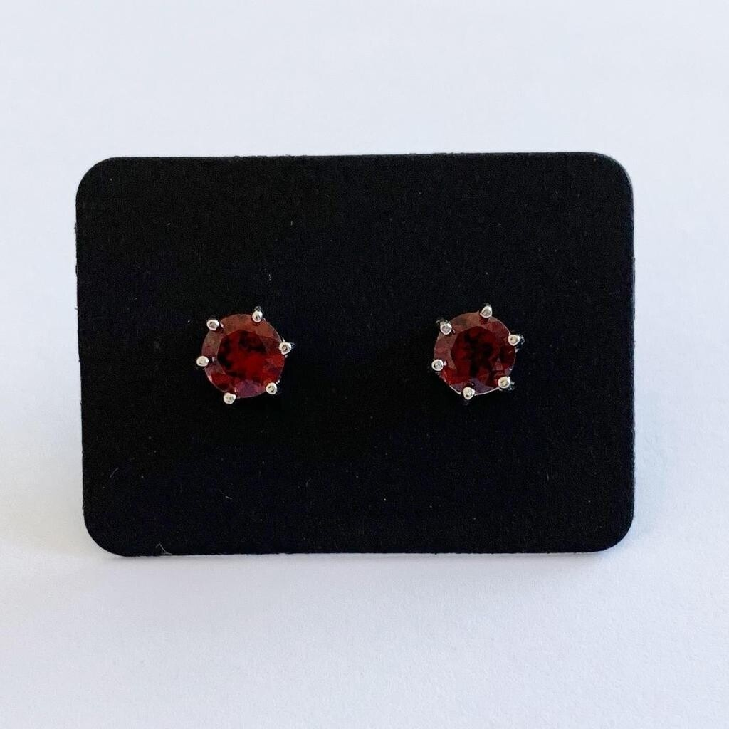 Rood garnet ronde oorknopjes 925 sterling zilver