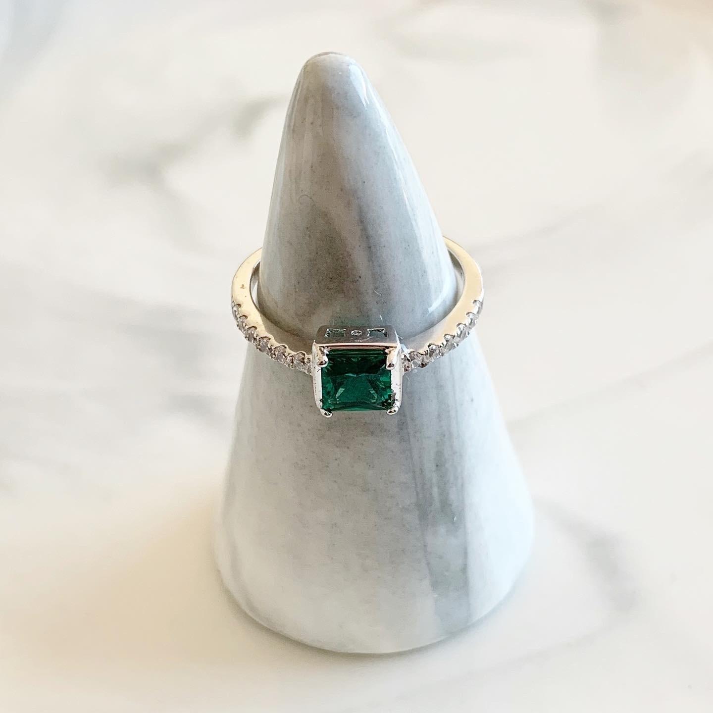 Donker groene emerald ring 925 sterling zilver