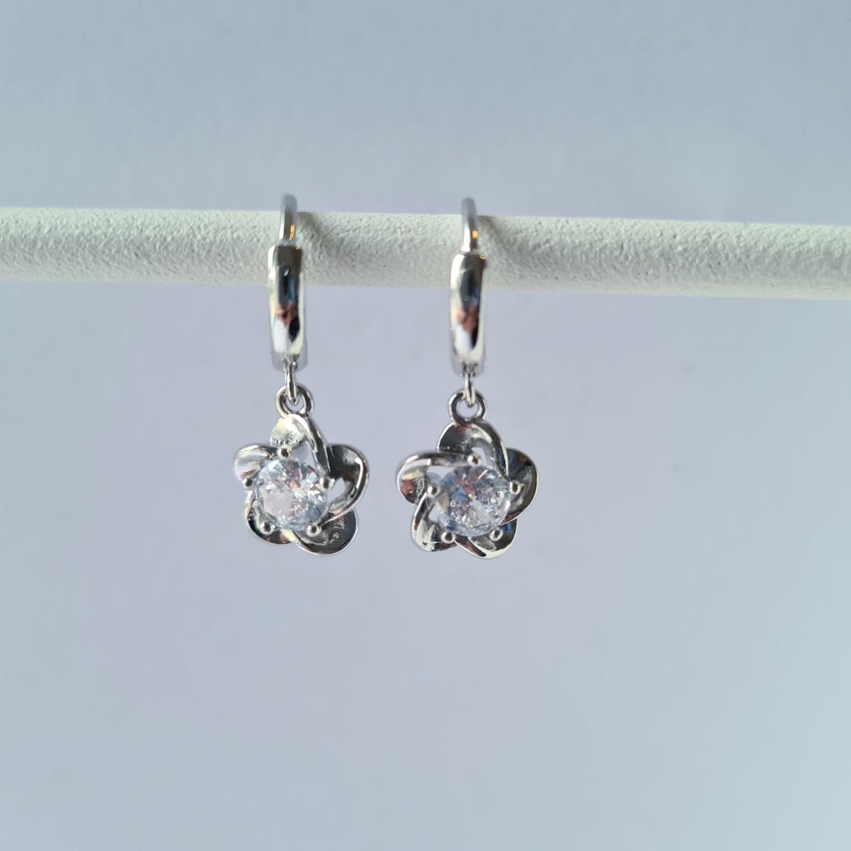 Bloem met steentje oorbellen 925 sterling zilver