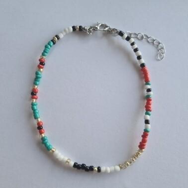 Wit/groen/zwart/rood kralen enkelbandje zilver