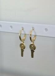 Sleutel oorbellen goud