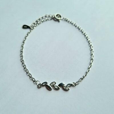 Blaadjes met steentjes armband zilver