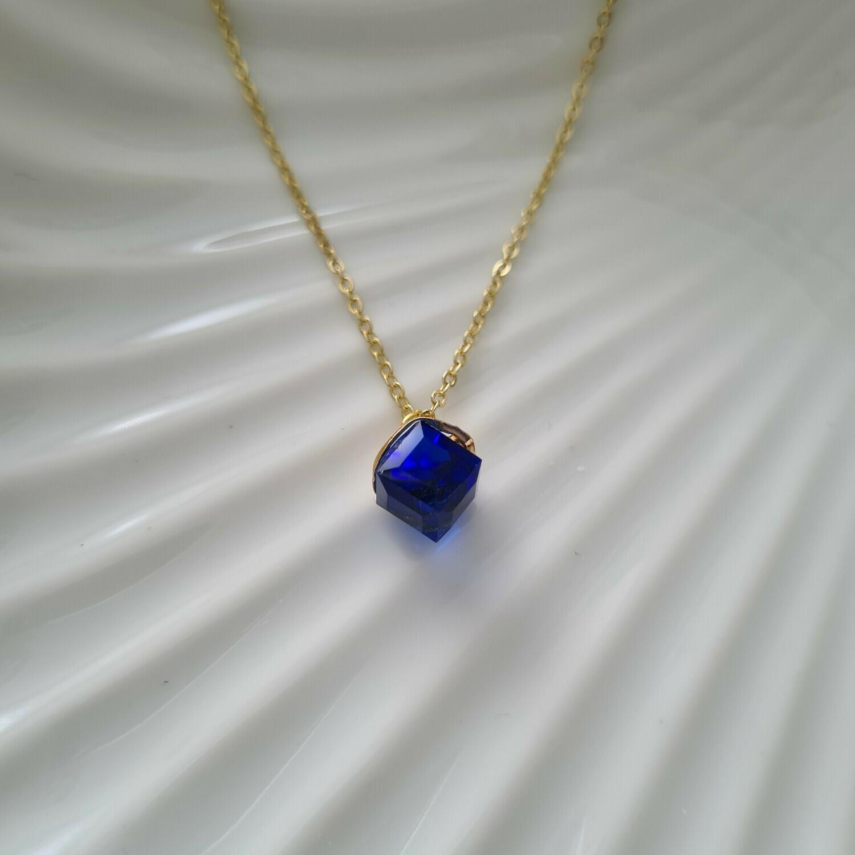 Gekleurd blokje ketting zeeblauw/goud