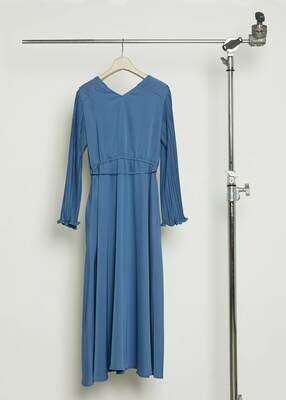 Fine pleats Dress