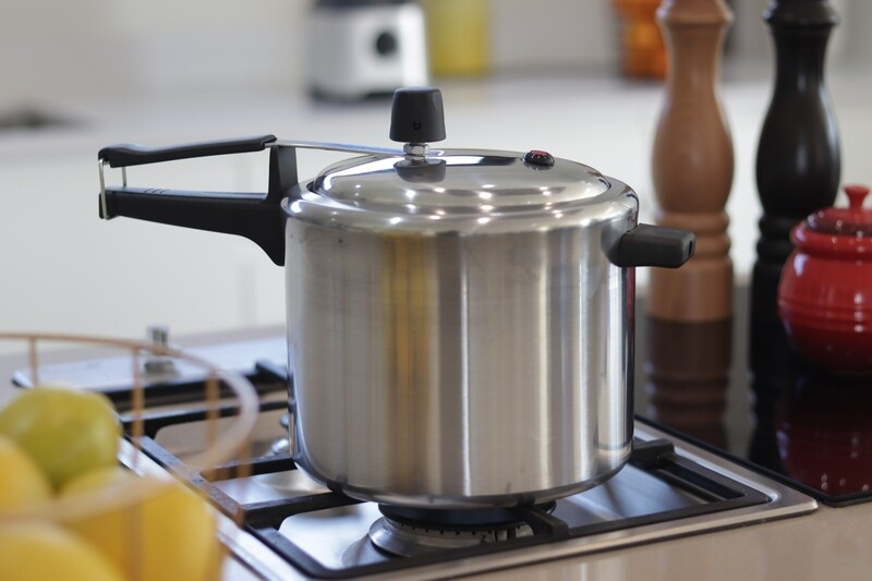 7L Polished Aluminium Pressure Cooker