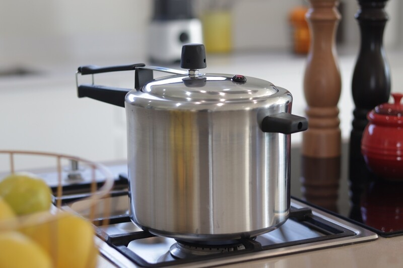 4,5L Polished Aluminium Pressure Cooker