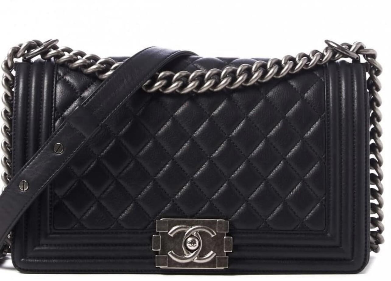 Chanel me please black