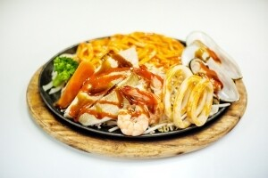 Spicy Seafood Yakiudon