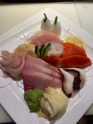 134. Deluxe Sashimi
