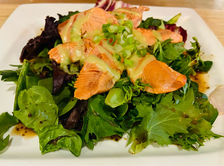 32. Salmon Tataki Salad