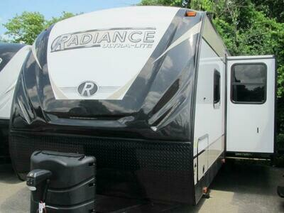 2021 RADIANCE 28BH BY CRUISER RV