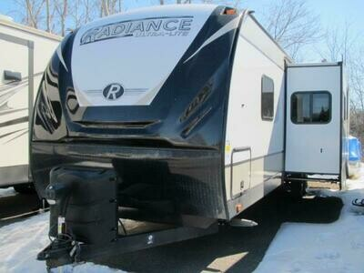 2021 RADIANCE 30DS BY CRUISER RV