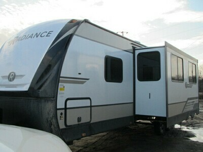 2021 RADIANCE 28QD BY CRUISER RV