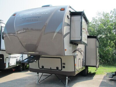 2015 ROCKWOOD 8282WS BY FOREST RIVER
