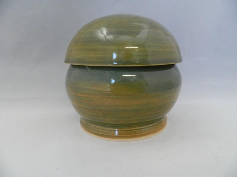 Covered Lime Slice 3.7h Porcelain Piece #126