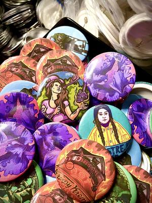 10 Unique Buttons