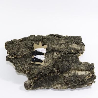 Klikklakspeld 45 mm wit-zwart met bloem en diamantje (4 stuks per set)