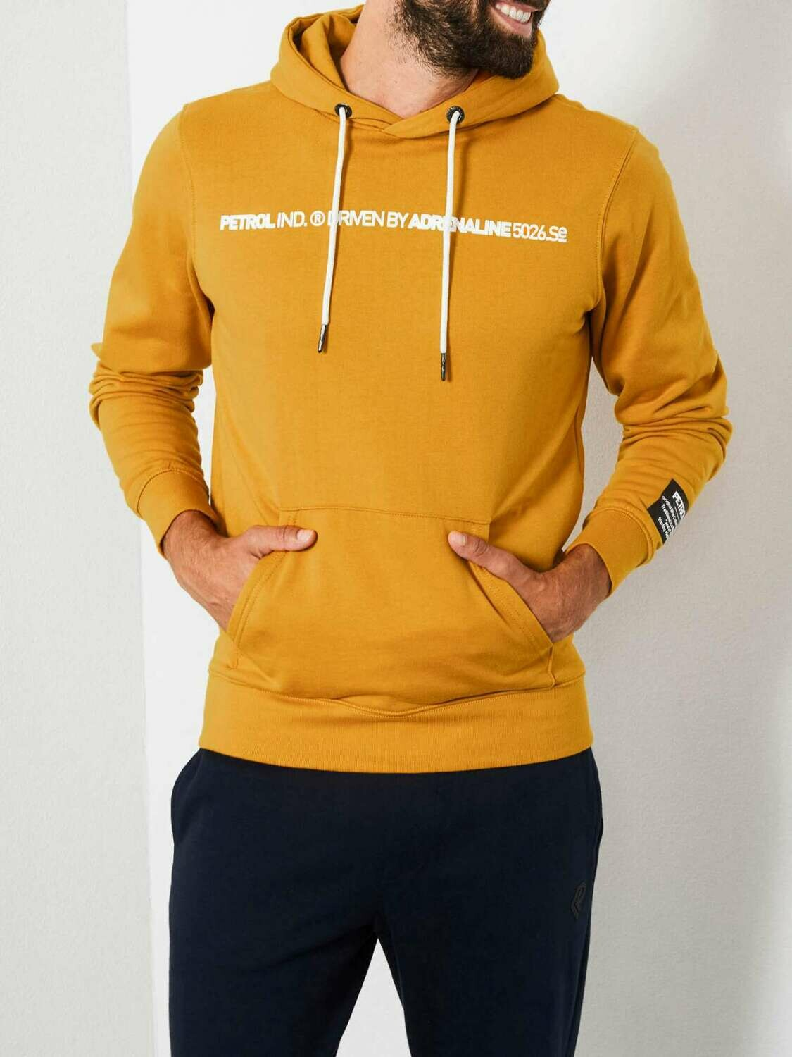 Hooded sweater gold