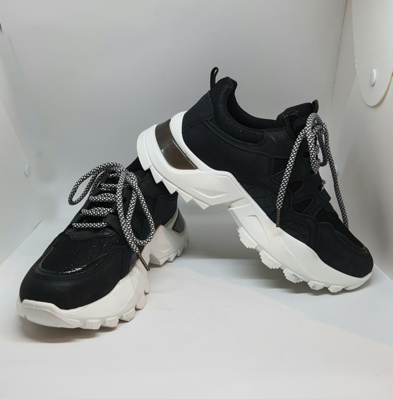 Chunky Sneaker Glam