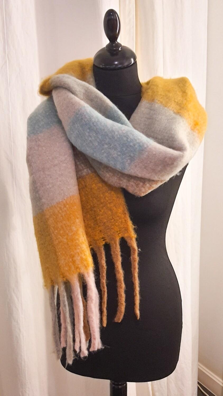 Sjaal gestreept oker-lichtblauw-beige