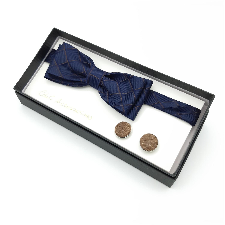 Vlinderdas, donker blauw, met manchetknopen in visleer
