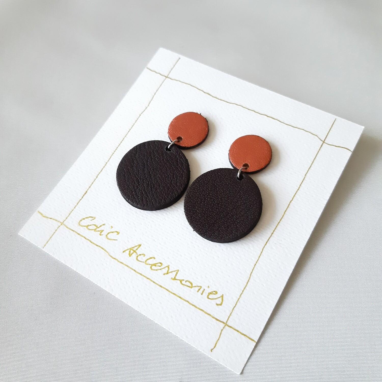 Oorbellen met een zwart randje - samba en donker bruin leder