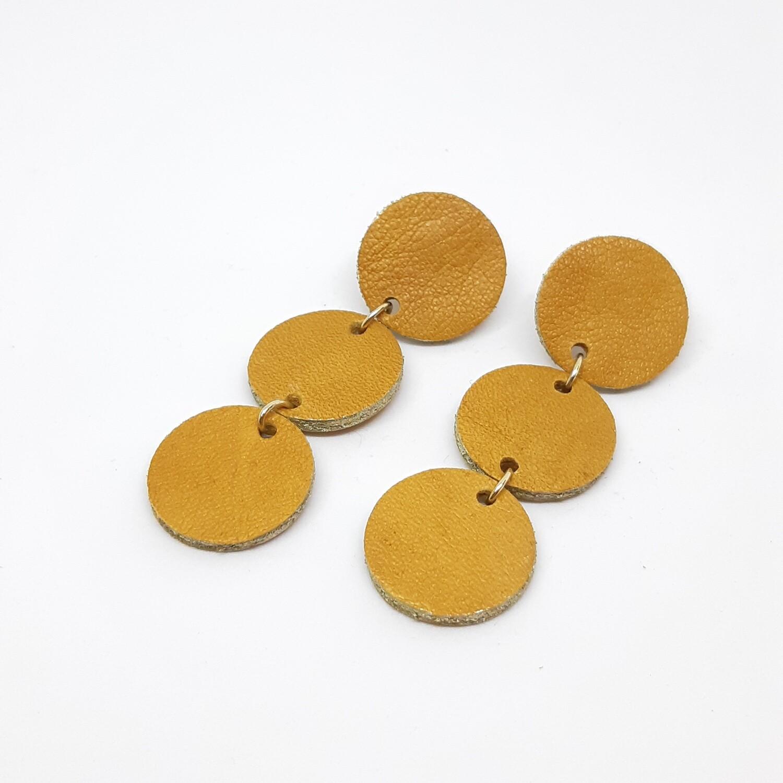 Oorbellen in cognac leder met een gouden randje - 3 bolletjes