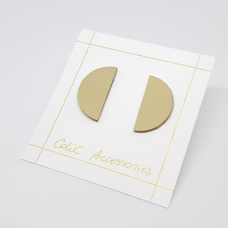 Oorbellen in ecru leder met een gouden randje - 4 cm