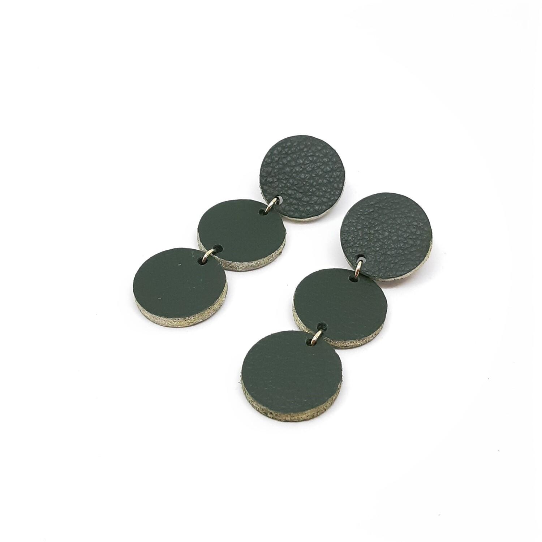 Oorbellen in donker groen leder met een gouden randje - 3 bolletjes