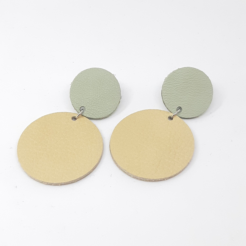 Statement oorbellen duo color - munt groen & beige leder