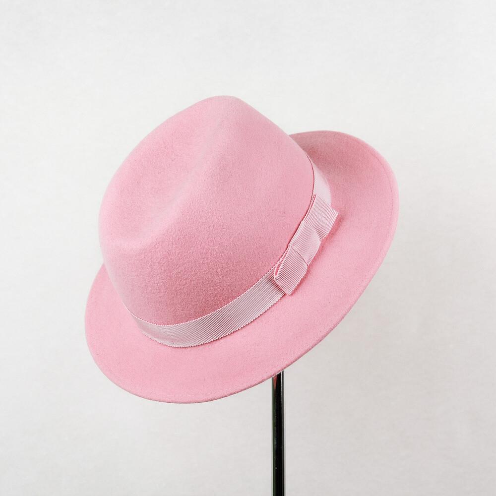 Fedora hoed in wolvilt met kleine rand & ton-sut-ton lint met strik in roos - mt 56