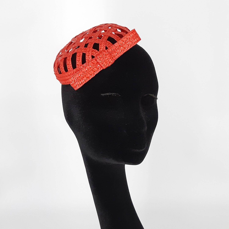 Mini beret in rode bandstro met strik