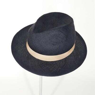 Zomer fedora hoed in donker blauwe parasisal met kleine rand