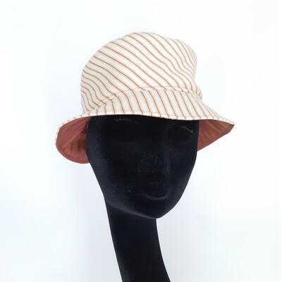 Bucket hoed met roest bruine streepje