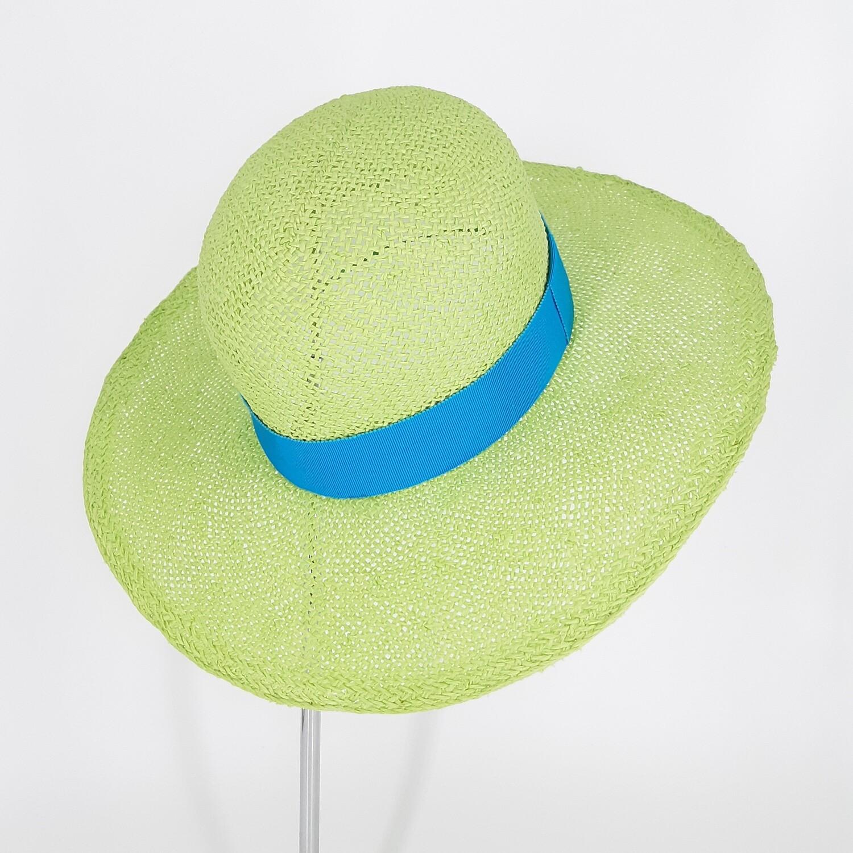 Klassieke zomer hoed met bolle kroon en brede rand in papyrus - hel groen