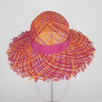 Klassieke zomer hoed met brede gerafelde rand in papyrus oranje, fuchsia & lila
