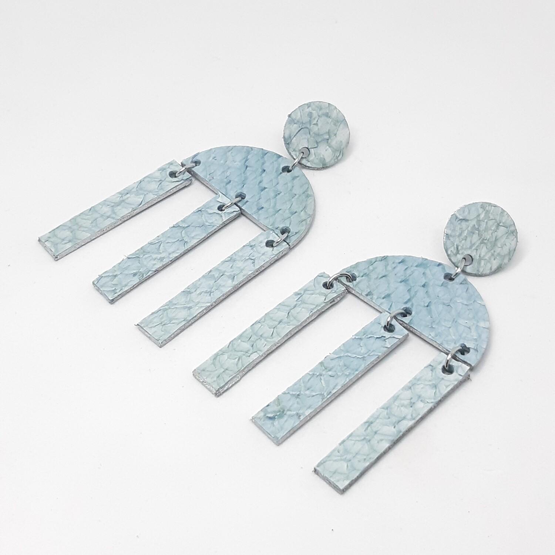Oorbellen sterrenbeeld Libra/Weegschaal (23 sept-22 okt) licht blauw visleder