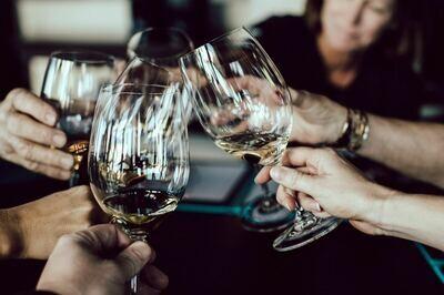 """""""WEISSWEIN-GENUSS gemischt für eine gesellige Runde"""" Weingut STADLER, Halbturn - 12 Flaschen à 0,75l (DE)"""