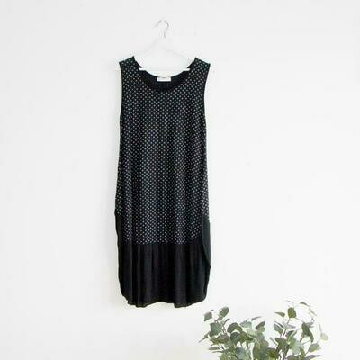 SLEEVELESS SPOTTED DRESS WITH FLATTERING BALLOON SHAPE