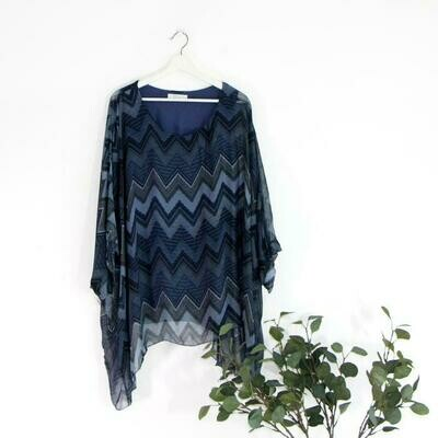 ZIG ZAG PATTERNED BATWING STYLE TOP