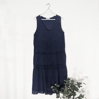 EMBROIDERY ANGLAISE FRONT PANEL DRESS WITH V-NECK