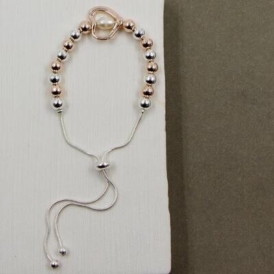 FRIENDSHIP STYLE BRACELET WITH CENTRAL OPEN HEART AND PEARL