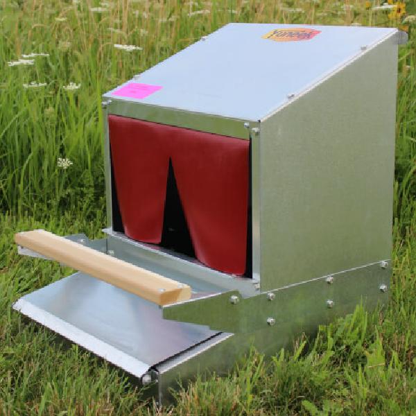 "Rollaway 16"", 24"", or 48"" Community Nest Box"